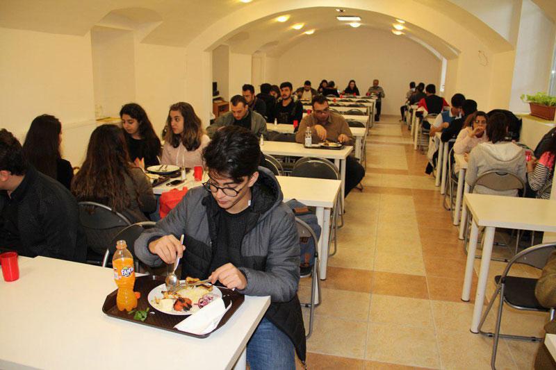 تحصیل در کالج بین المللی اویسینا در مجارستان