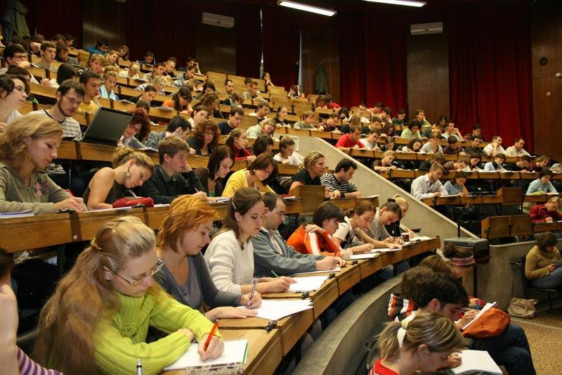 تحصیل ارزان و رایگان دندانپزشکی در اروپا