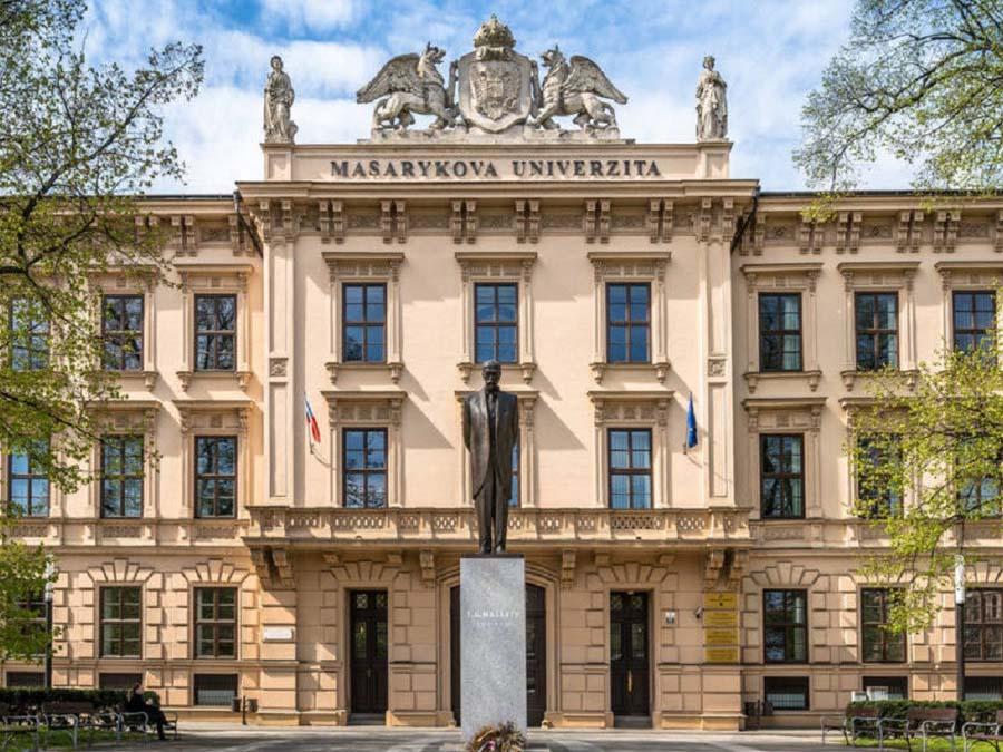 دانشگاه ماساریک جمهوری چک