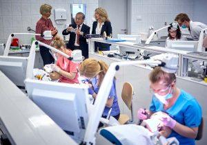 تحصیل دندانپزشکی در دانشگاه لودز