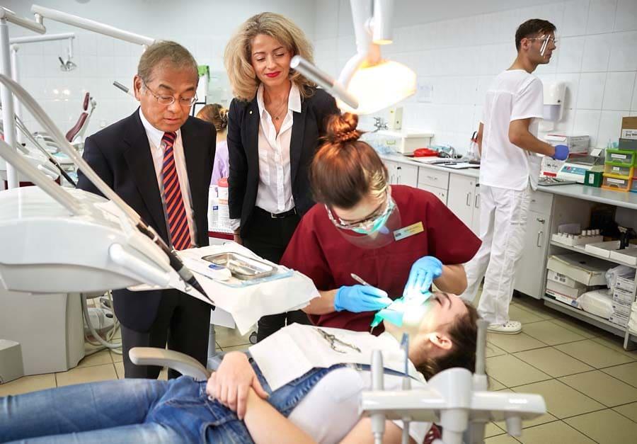 رشته دندانپزشکی دانشگاه لودز